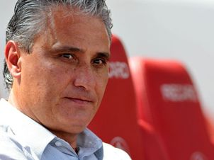 Tite no banco do Beira-Rio