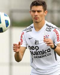 Alex durante treino do Corinthians