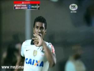 Gol do Paulinho! Corinthians empata com Boca no Pacaembu