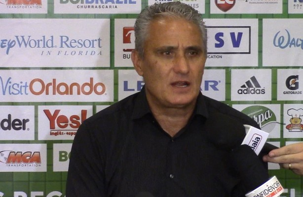 Tite inveja permanência de atletas do Atlético-MG: 'A China nos ferrou'