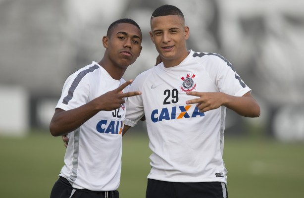 Treino de finaliza��es no CT do Corinthians