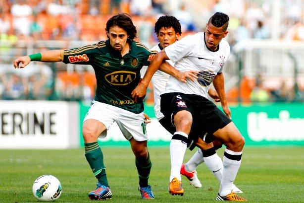 Corinthians responde provoca��o de Valdivia no Twitter