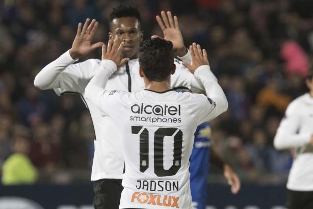 Corinthians decepciona e apenas empata com a Chapecoense na estreia do Brasileirão