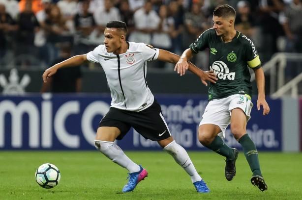 Corinthians acerta venda de Léo Jabá ao futebol russo