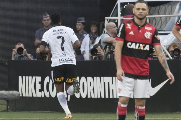 Em momento de pressão Flamengo enfrenta o Coritiba