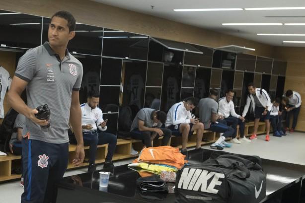 Emocionado, Arana praticamente se despede do Corinthians em festa do título